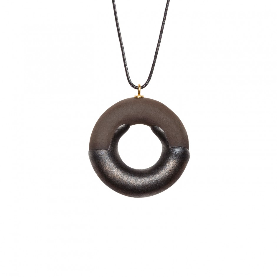 TADAM! COCOA DOUGHNUT WITH SUBTLY RADIANT CHOCOLATE GLAZE
